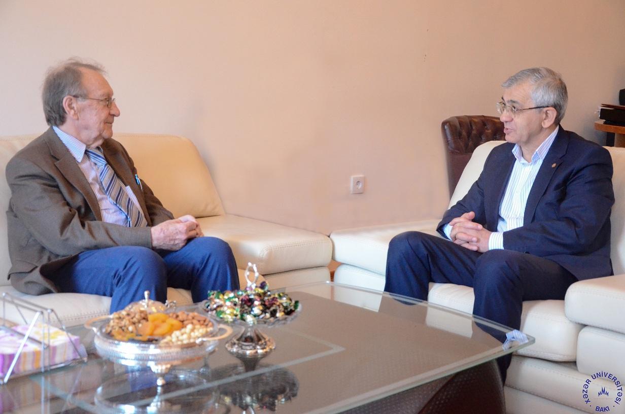World-known Physicist Visits Khazar
