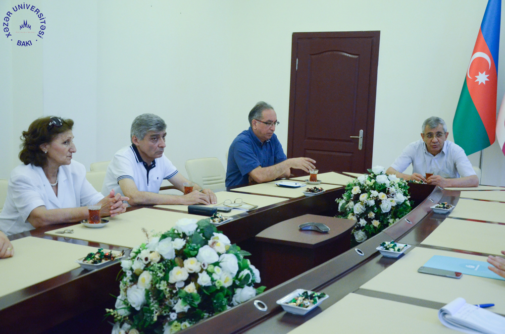 Khazar University Signs a Cooperation Agreement with Yunus Emre Institute