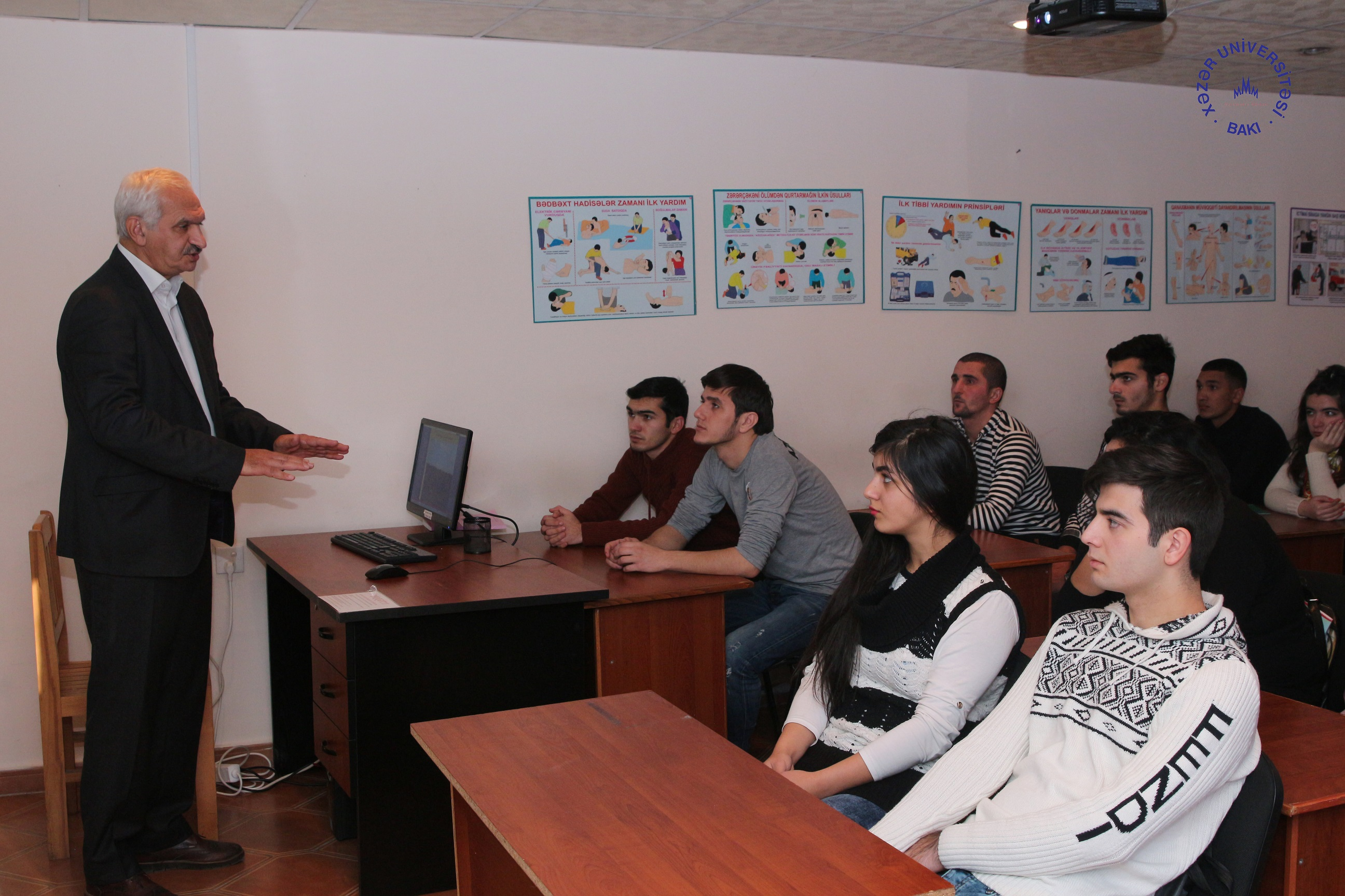 ANAS Archeologist Meets with Students