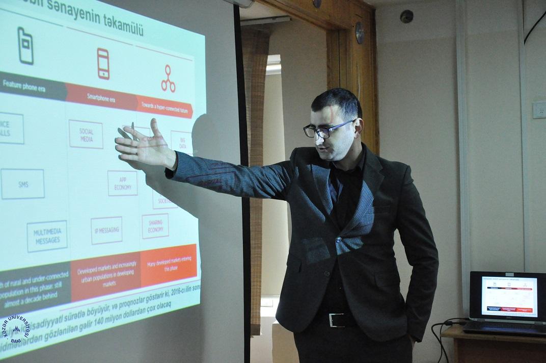 """Tələbə Məclisi """"Telekommunikasiya sahəsində qlobal trendlər"""" adlı seminar keçirdi"""