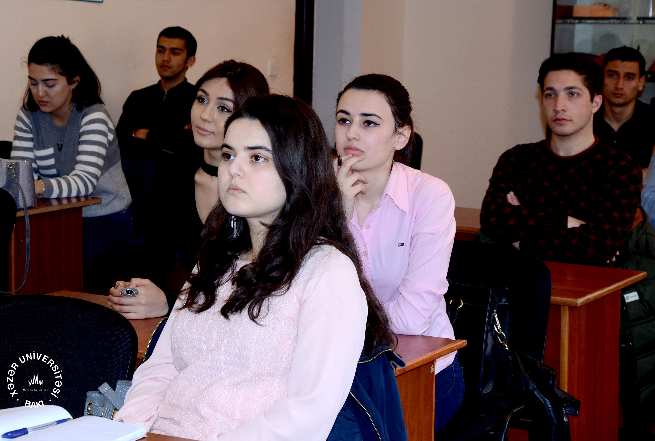 Tarix və arxeologiya departamentində xaricdə təhsilə həsr olunmuş görüş keçirildi