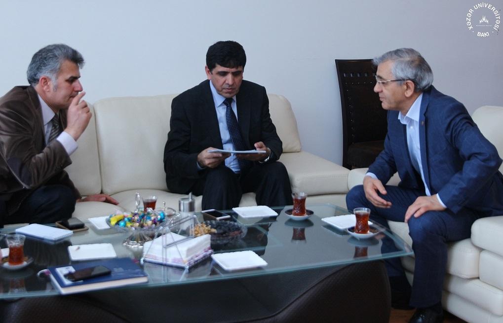 İğdır Universitetinin rektoru Xəzər Universitetini ziyarət etdi