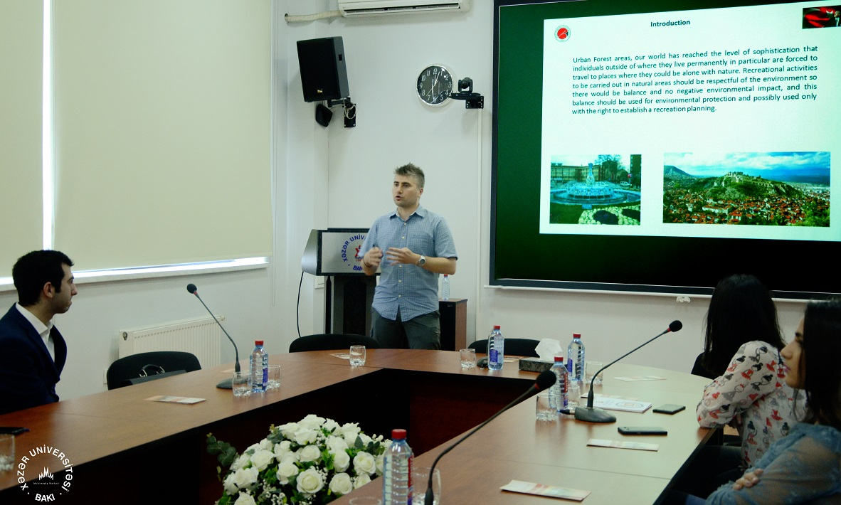 Kastamonu University Faculty Member Delivers Lecture at Khazar University