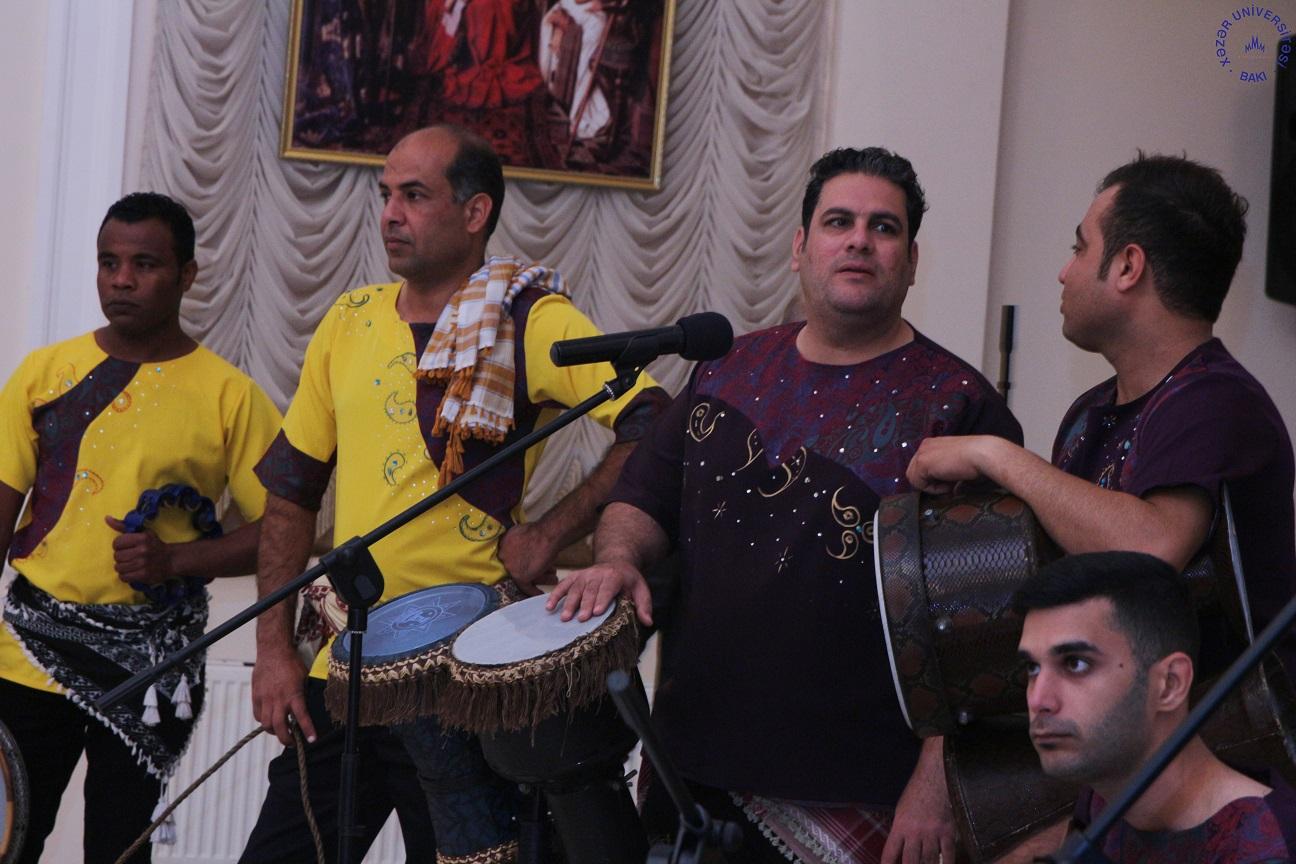 Xəzər Universitetində İrandan gələn zərb alətləri ansamblının konserti oldu