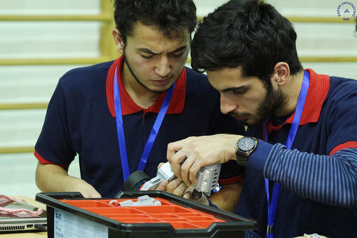 Dünya Robot Olimpiadasının Azərbaycan üzrə seçim yarışı keçirildi