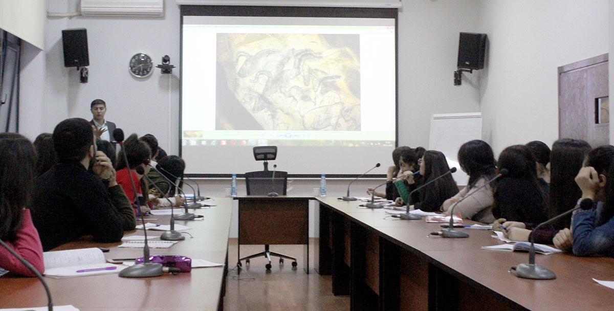 Employee of Gobustan State Historical-Artistic Reserve Met with Students