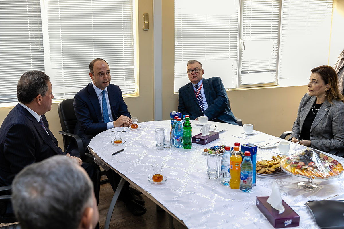 Country's Websites about the Meeting of the Heads of High Education Institutions at Heydar Aliyev Baku Deep Water Jacket Factory