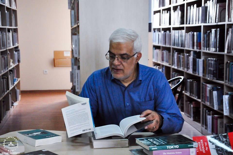 Nippon Fondu KİM-ə kitab bağışladı