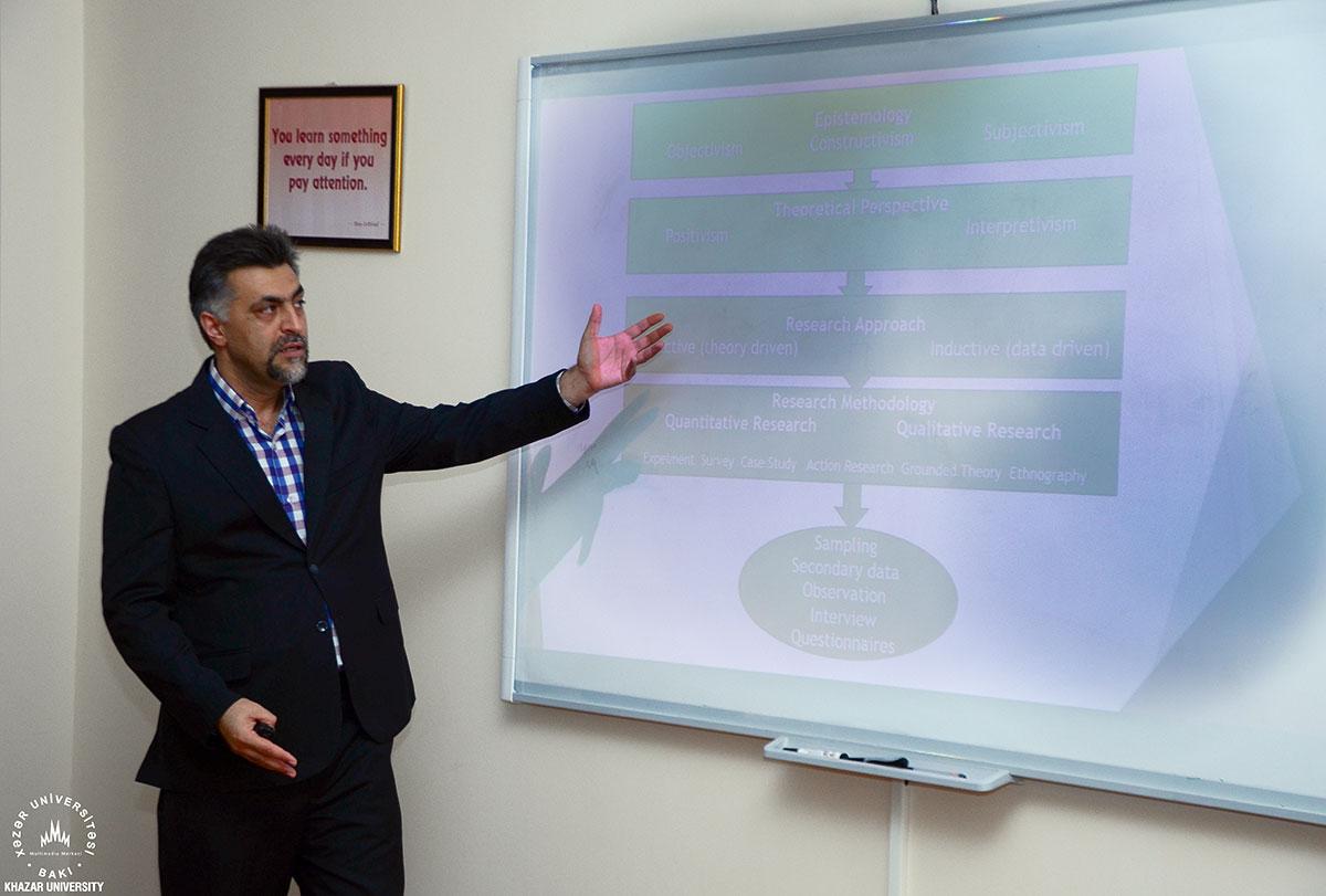Dr. Davud Kuhinin təqdimatında seminar oldu