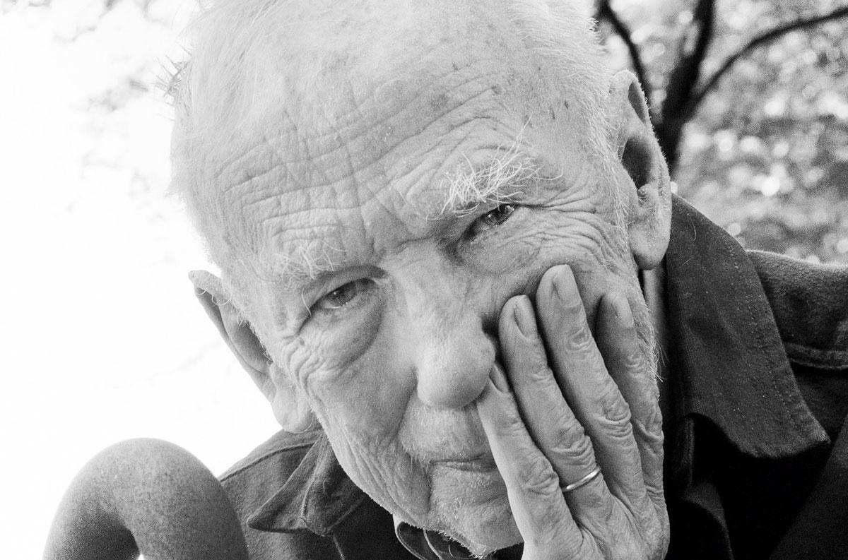 Information about Khazar University's Honorary Doctor Tadeusz Swietochowski on Lent.az